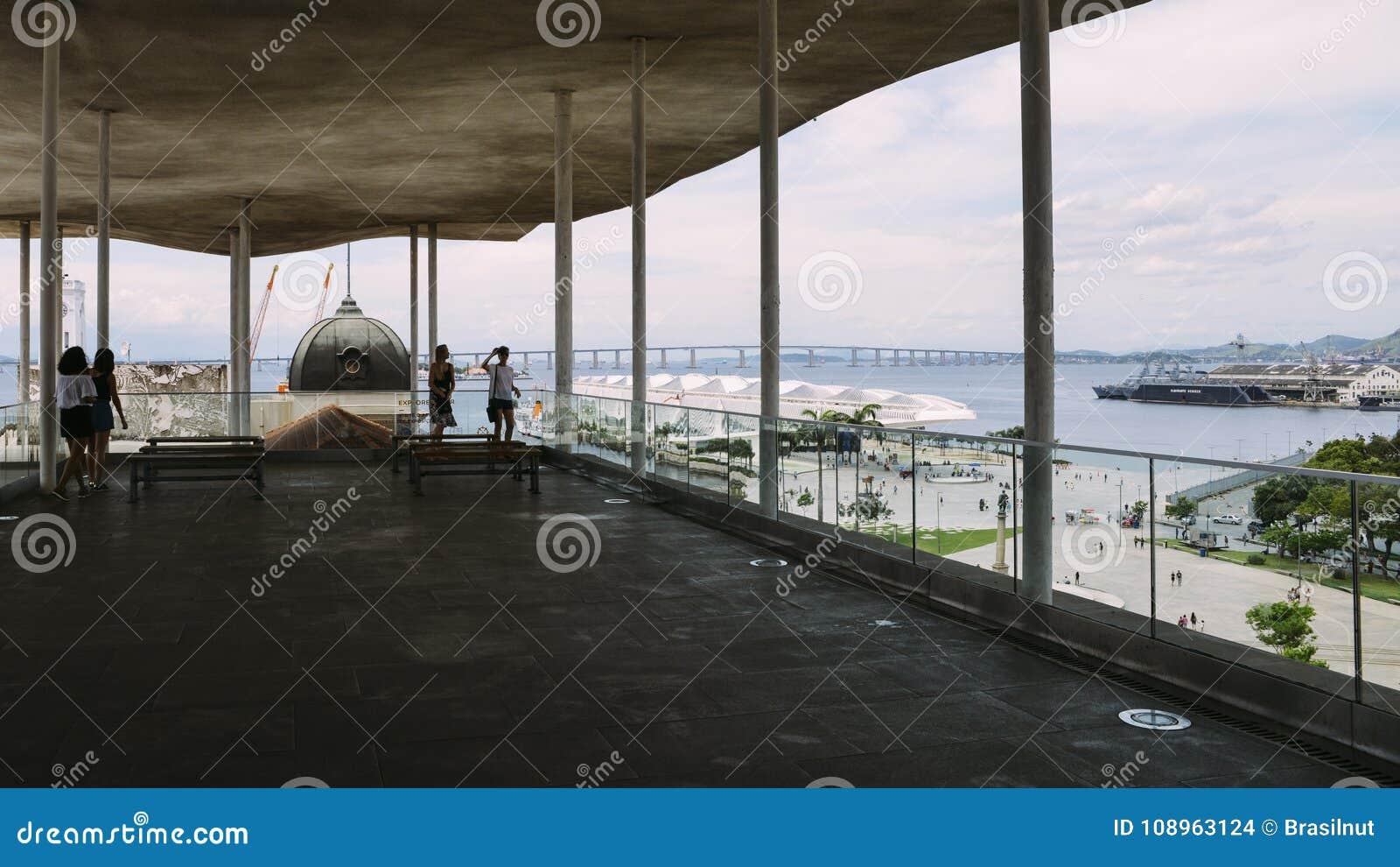 La Vista Panorámica De Praca Mauau Y Guanabara Aúllan En Rio