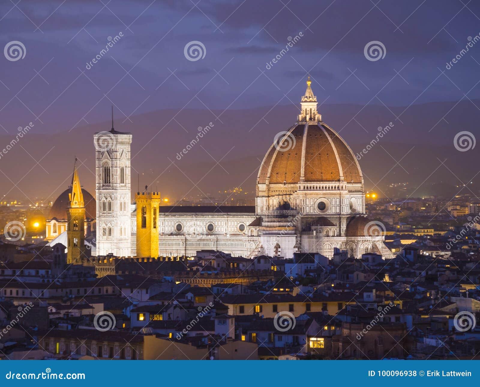 La vista panoramica sopra la città di Firenze da Michelangelo Square ha chiamato Piazzale Michelangelo