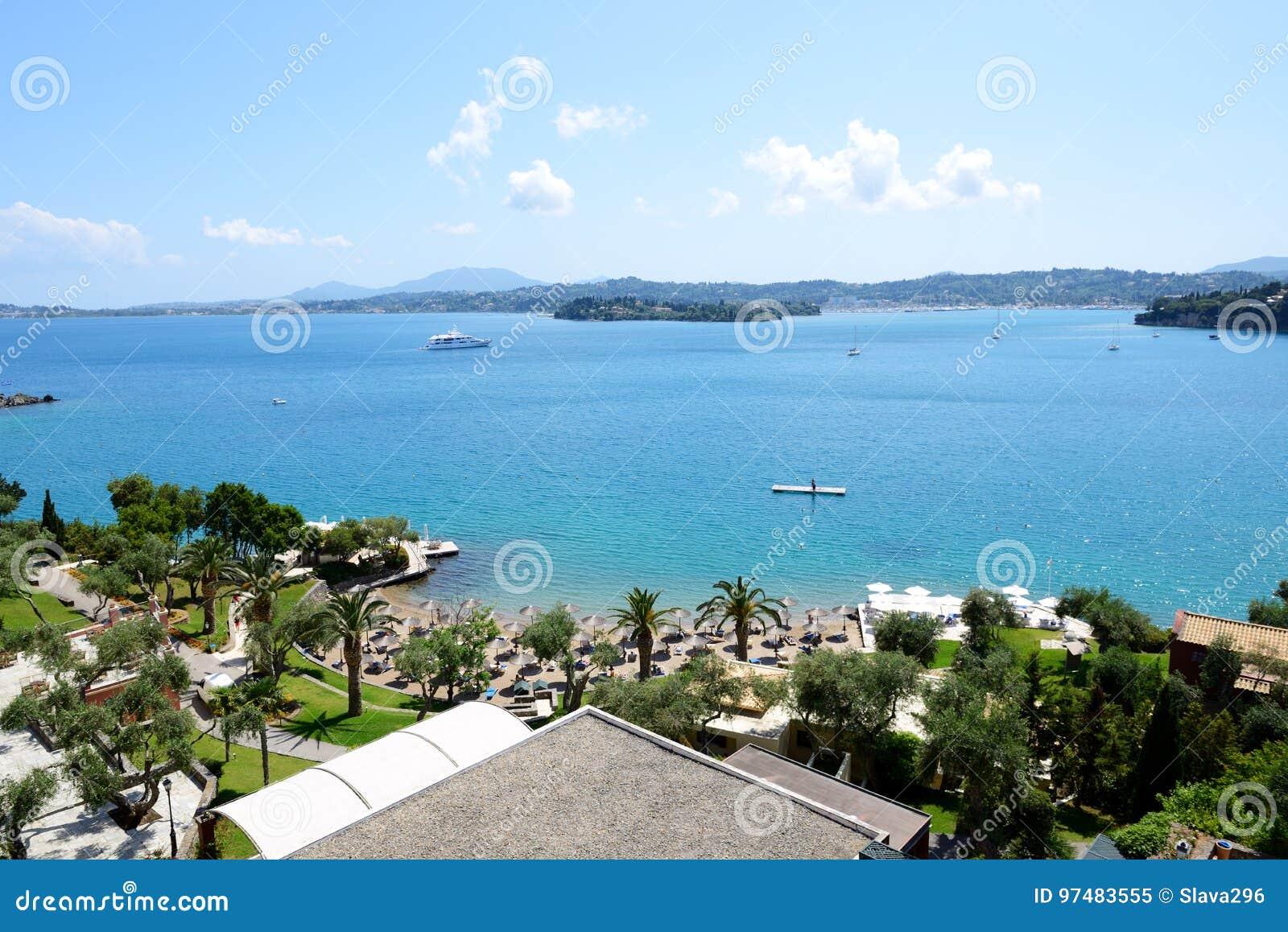 La vista sulla spiaggia all albergo di lusso