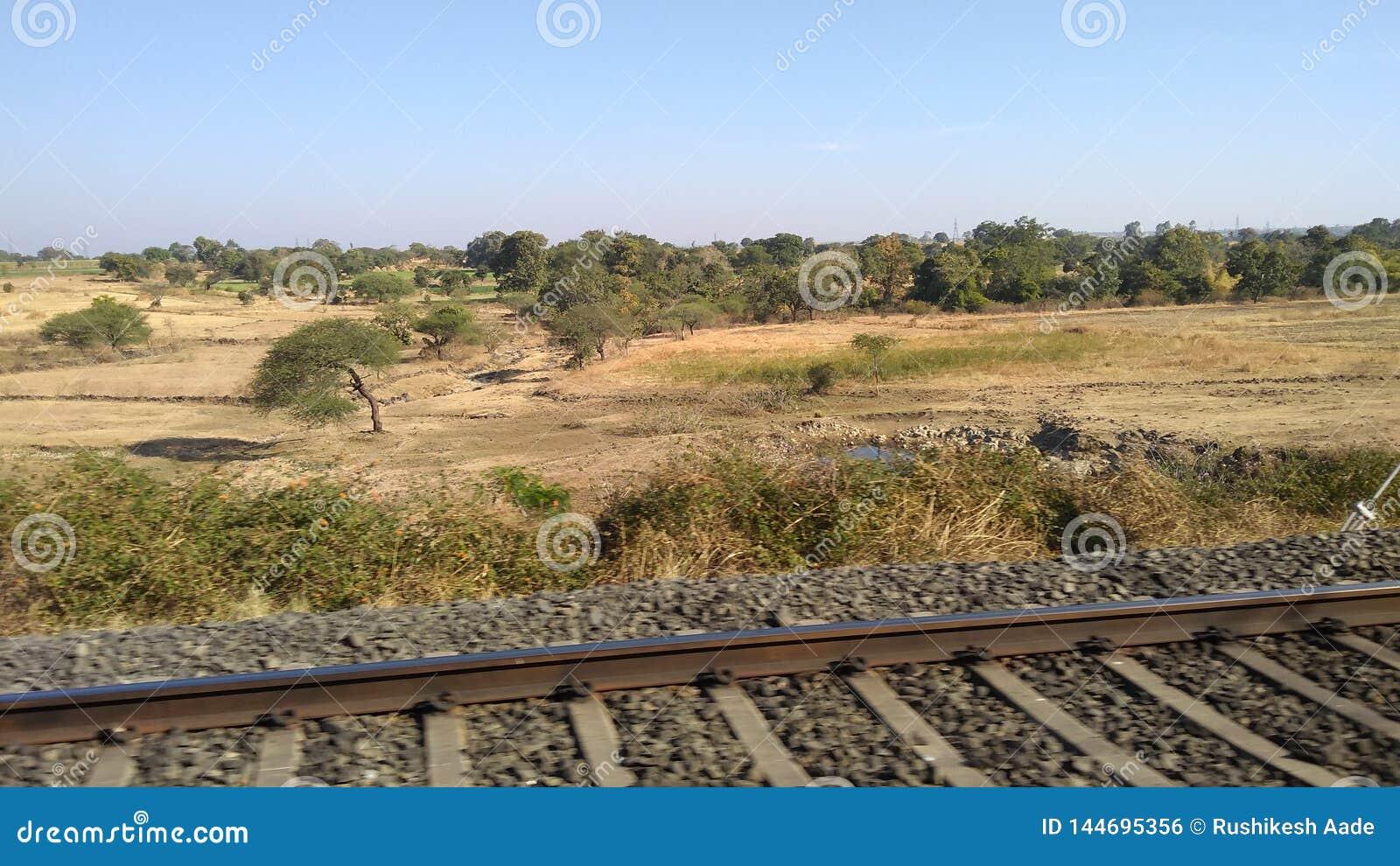 La voie de chemin de fer de l Inde