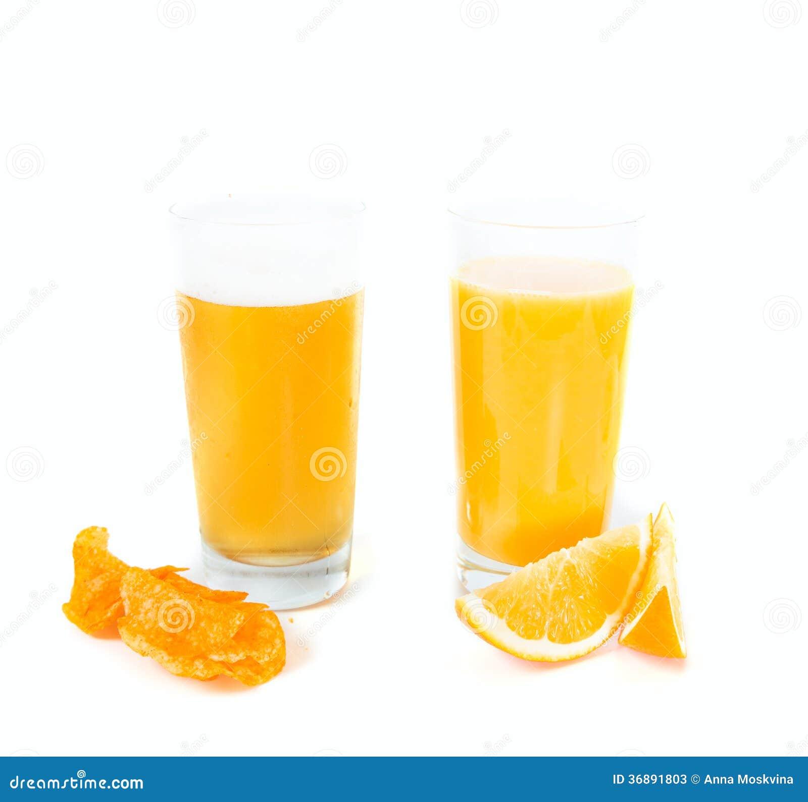 Download La Vostra Scelta: Birra O Succo Immagine Stock - Immagine di sano, alcool: 36891803