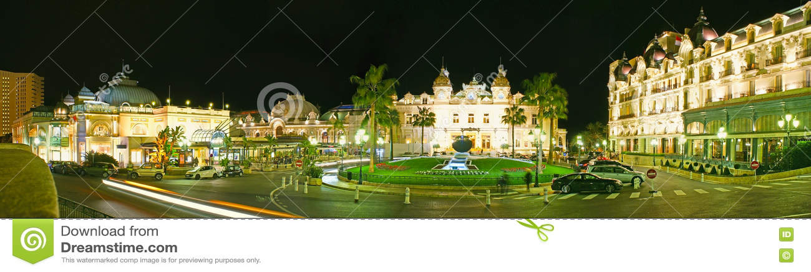 La vue de nuit de la place de casino de Monte Carlo