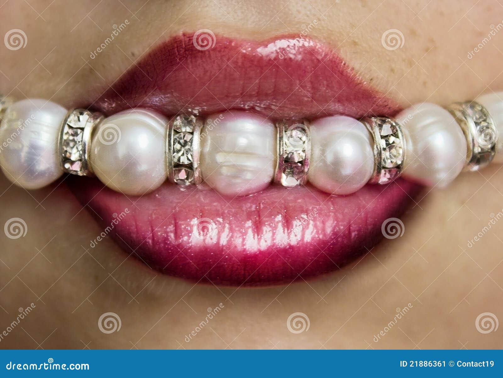 Labios con las perlas