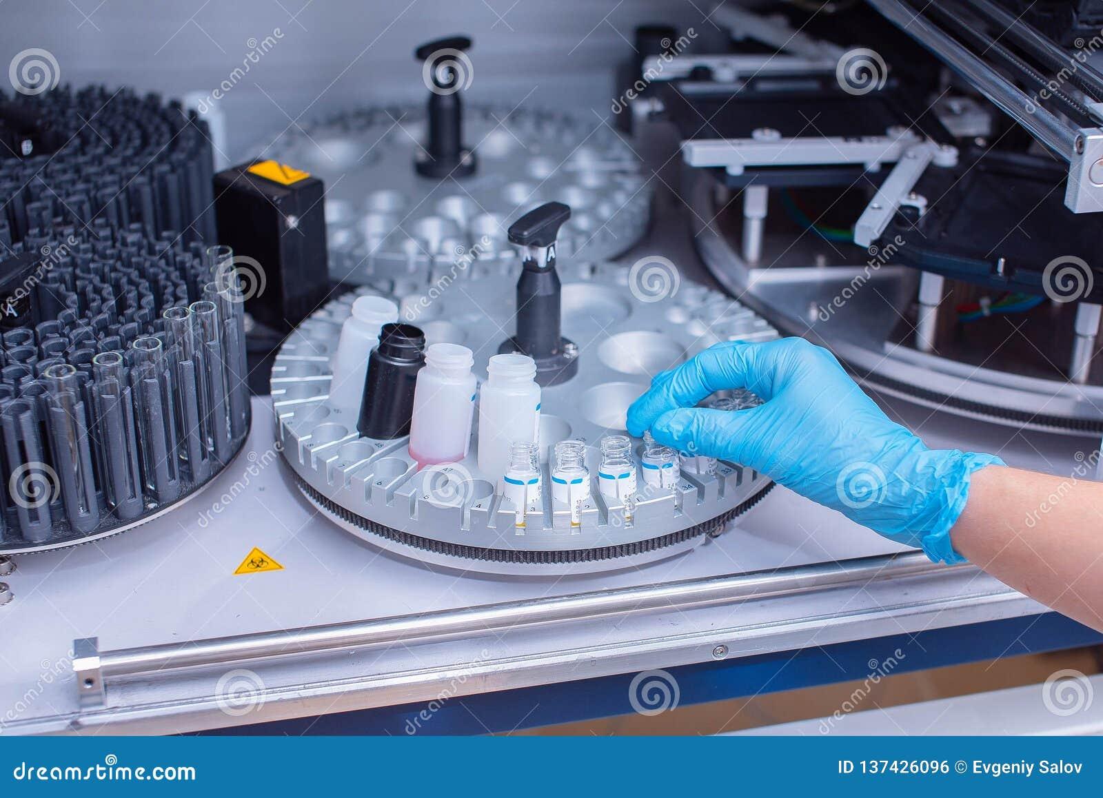 Laborancki immunoassay analyzer Diagnoza zaraźliwe choroby i alergiczne reakcje Prenatal przesiewanie Analiza