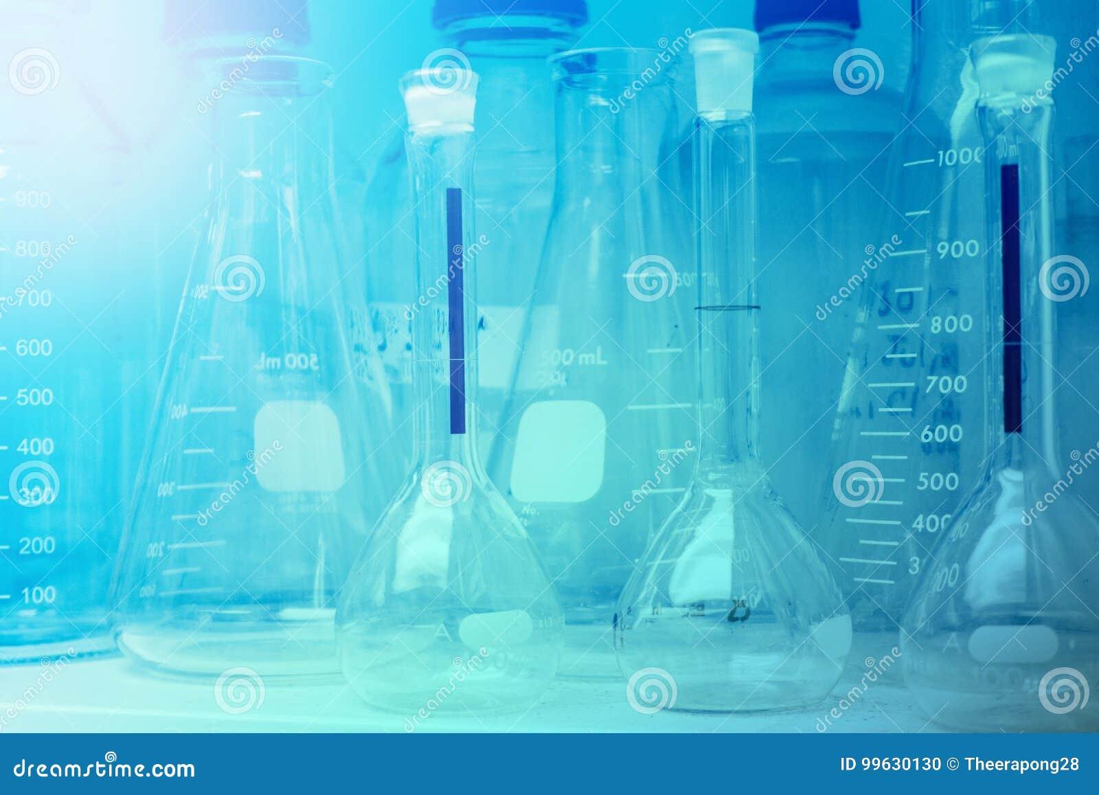 Laboratorium badanie - Naukowy Glassware lub zlewki Dla Chemic