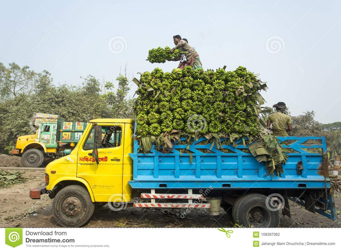 876 Loading Pickup Photos Free Royalty Free Stock Photos From Dreamstime