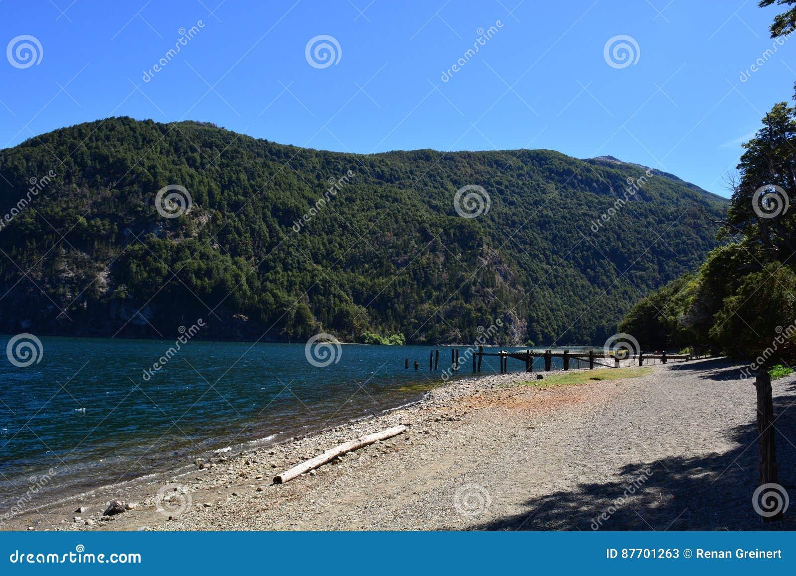 Lac au parc national de visibilité directe Alerces, Esquel, Argentine