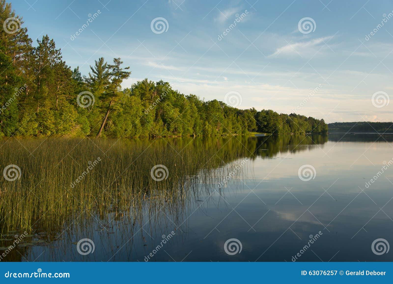 Download Lac du nord wisconsin image stock. Image du nordique - 63076257