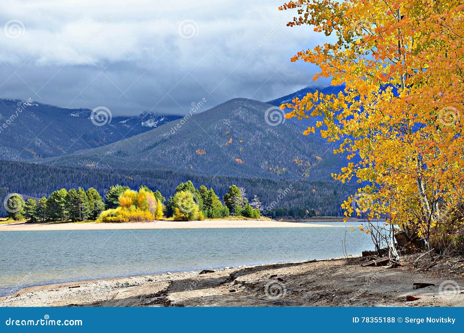 Lac Granby en automne, le Colorado