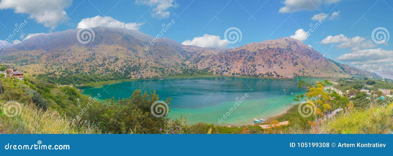Lac Kournas panorama chez la Grèce, île de Crète