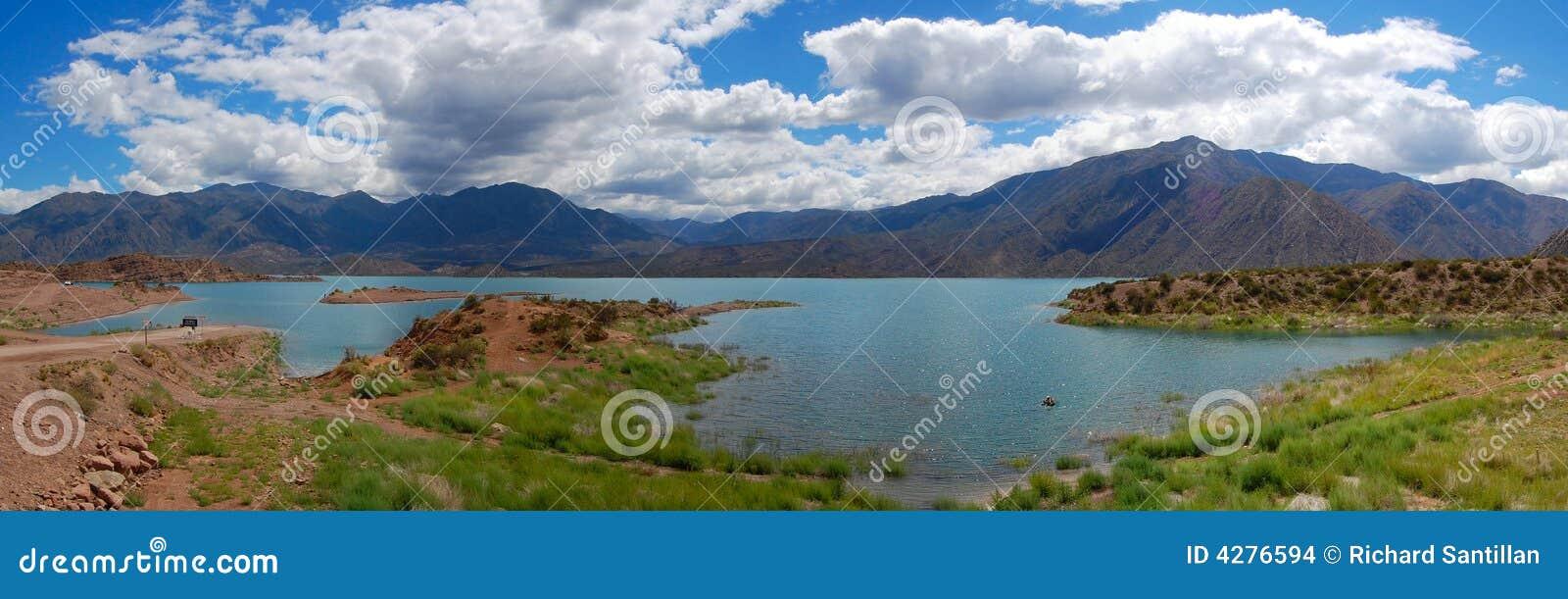 Lac Potrerillos panoramique