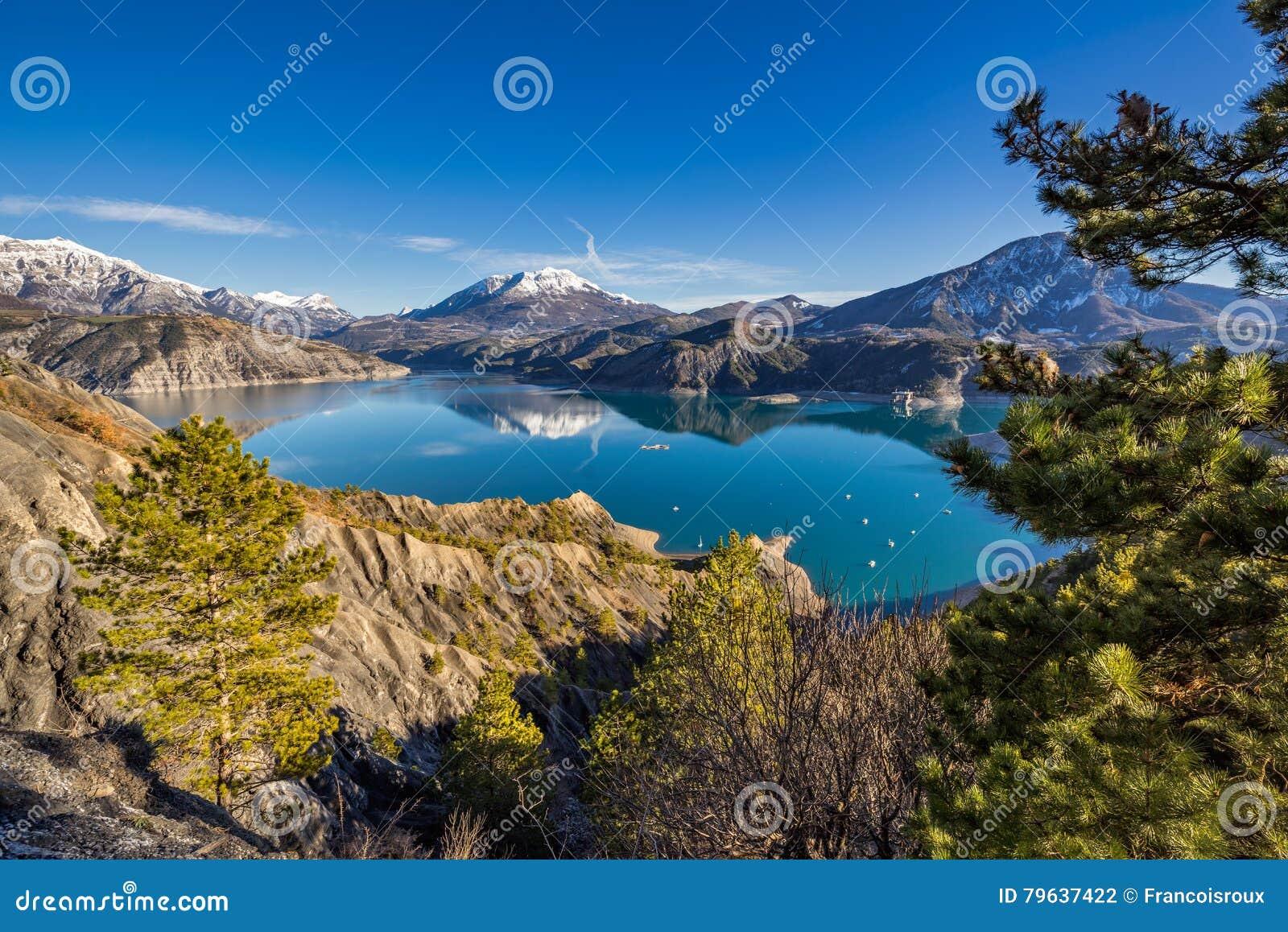 Lac Serre Poncon : La provence alpes l image du jour le lac de serre ponçon a un