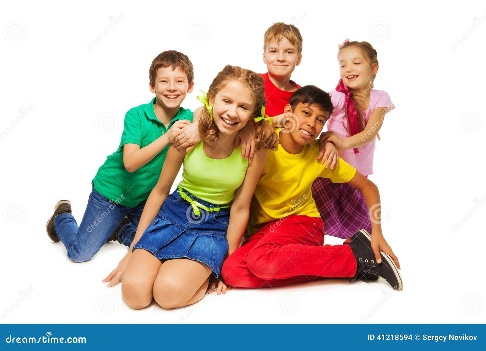 lachende kinder die zusammen auf dem boden sitzen stockfoto bild 41218594. Black Bedroom Furniture Sets. Home Design Ideas