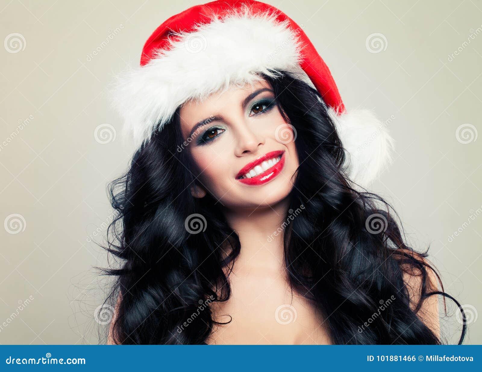 Lachende Vrouw in Santa Hat Mooi Kerstmismeisje