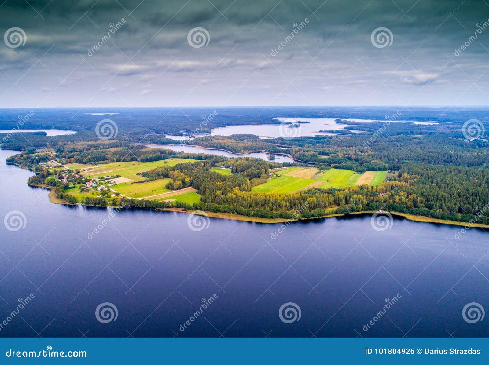 Lacs d en haut, vol du ` s d oiseau