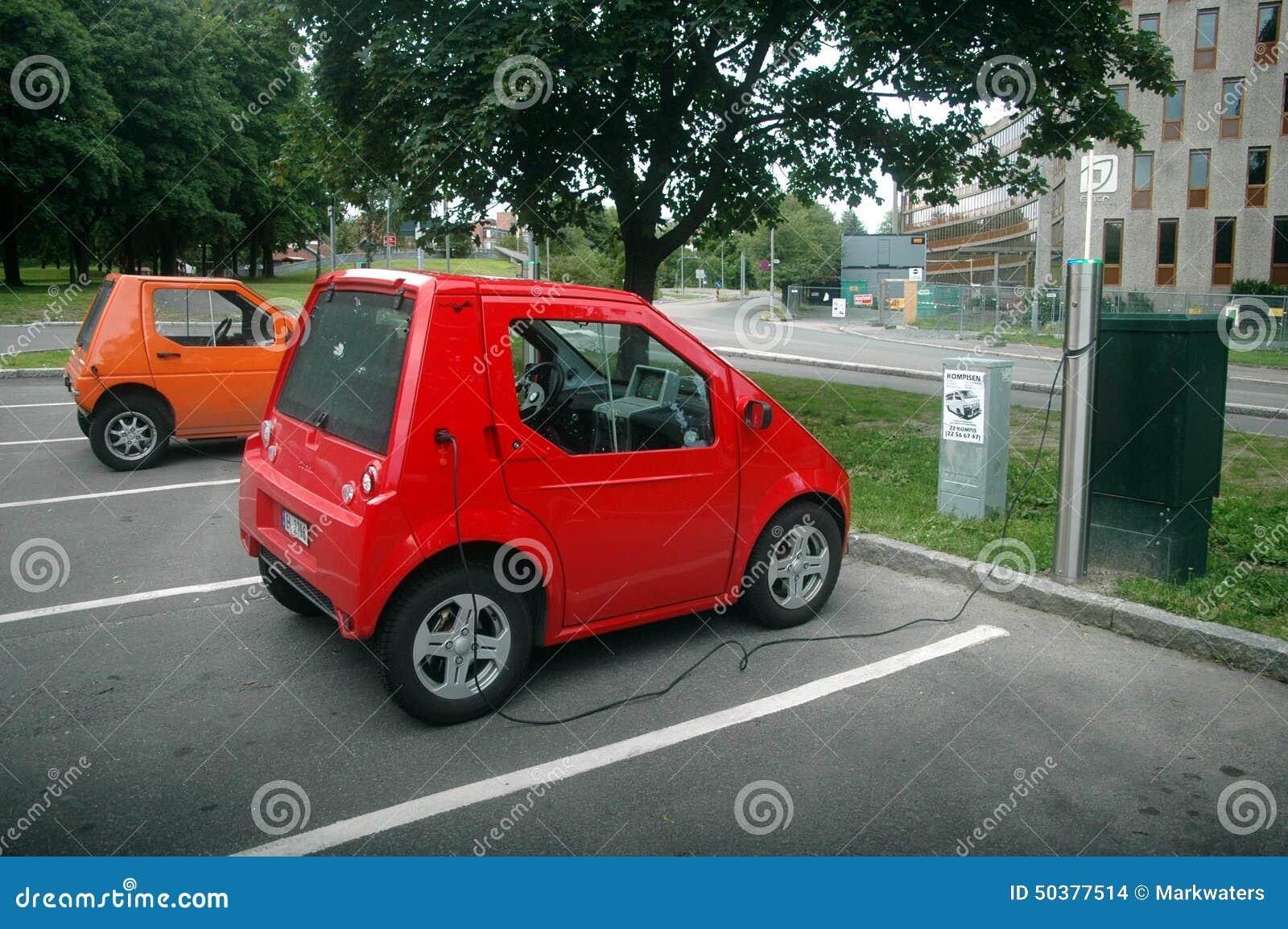 Ladende Elektrische Auto Redactionele Stock Afbeelding Afbeelding