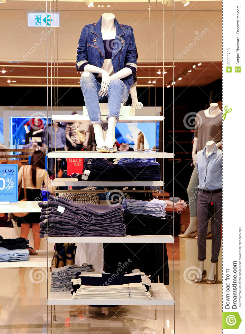 Ladies Clothing Store Stock Photo Image 33303780