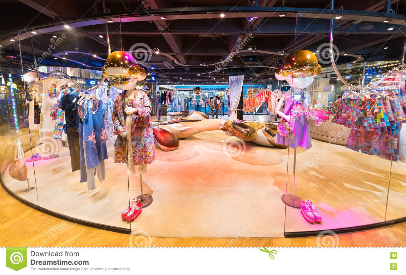 02e8ac0ed7 BANGKOK - MARCH 17, 2016 : A view at a ladies clothing store with unusual  mannequins having big gilt heads. It is located in the Siam Center (built  in 1973) ...