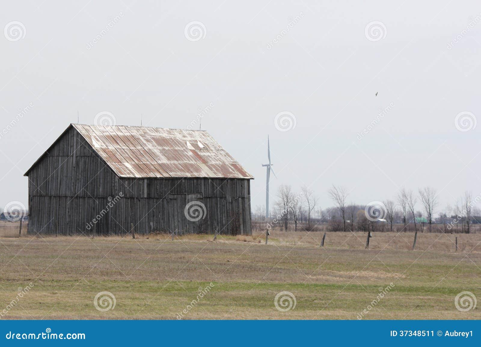 Ladugård i fält