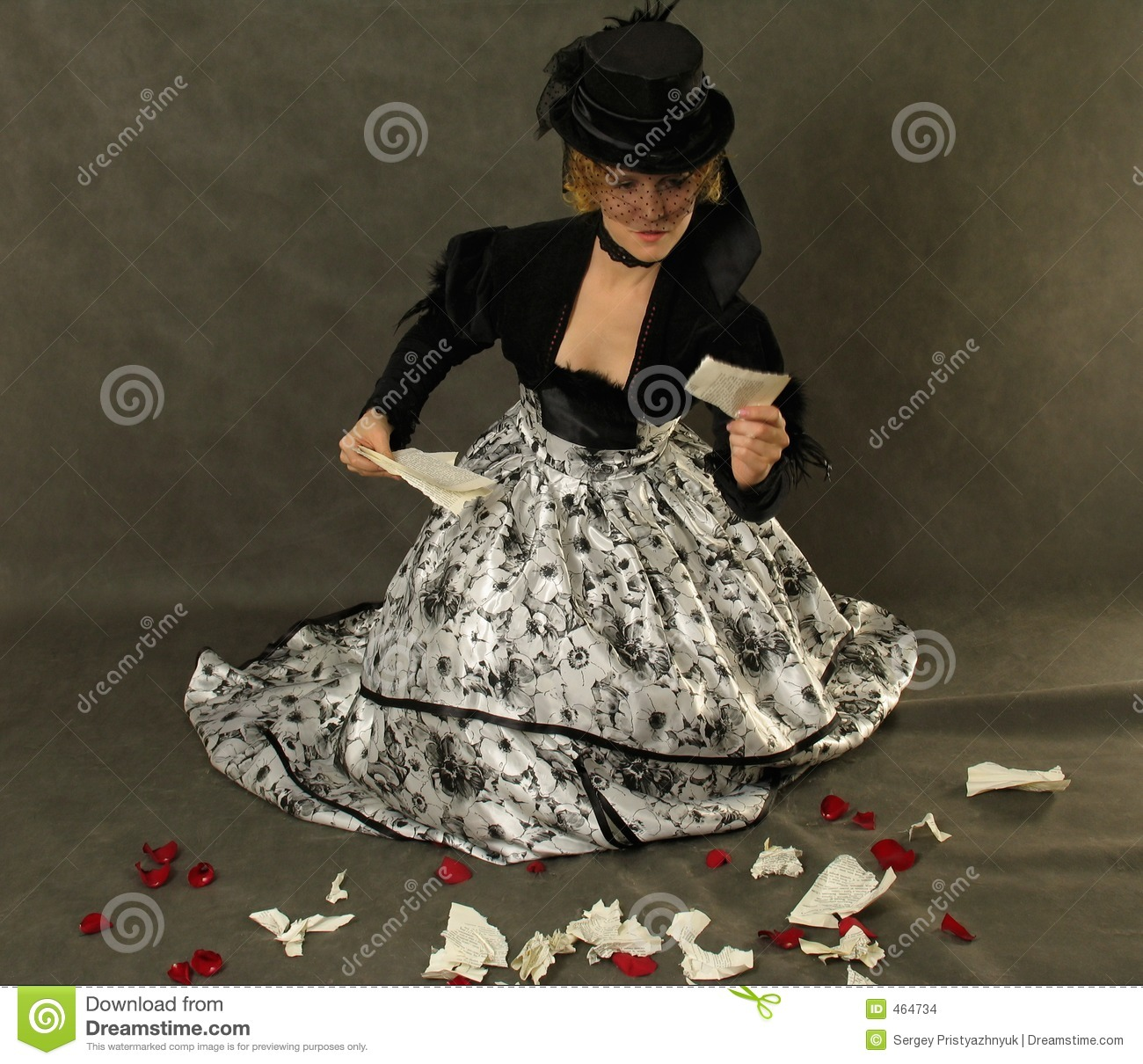 Download Lady  Reading Thescrap Of Letter Stock Photo - Image of elegant, emotion: 464734