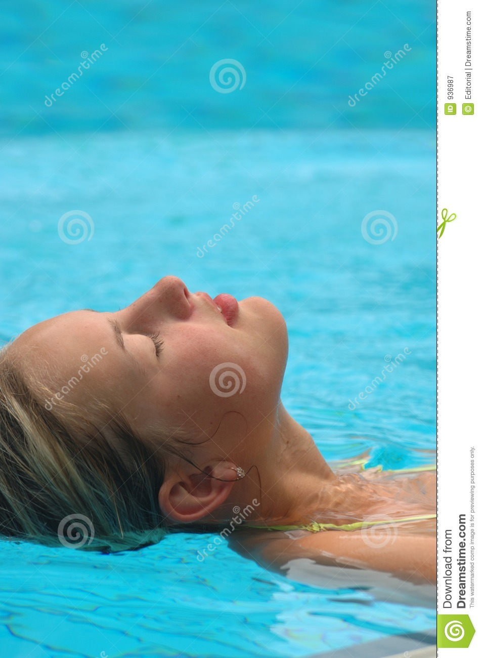 Royalty Free Stock Photography Lady Relaxing In Pool Image 936987