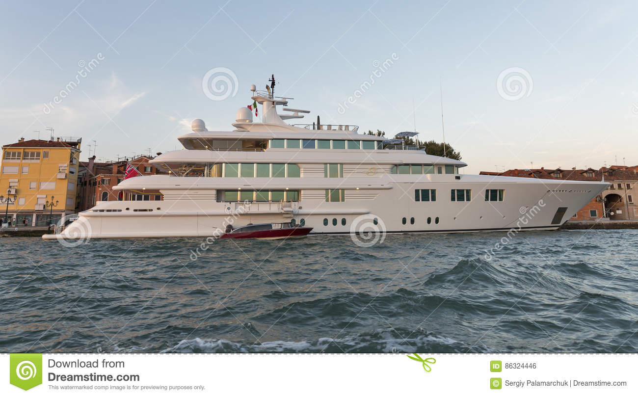 Download Lady S Luxury Cruise Yacht In Venice Lagoon, Italy. Editorial Photo - Image of city, moored: 86324446