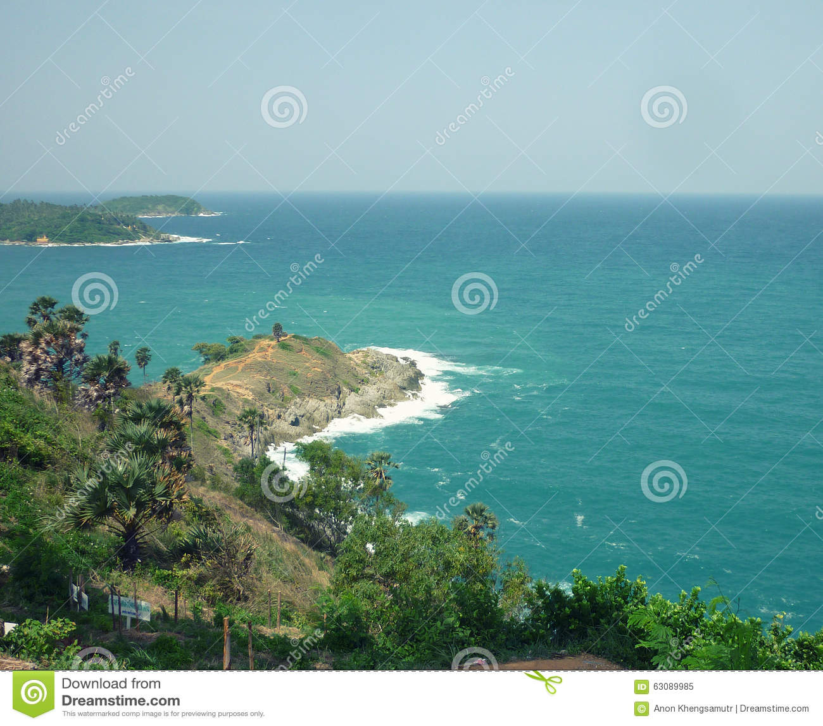 Download Laem Phrom Thep Phuket image stock. Image du océan, vert - 63089985