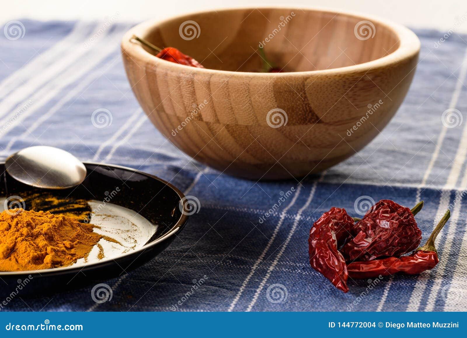 Laga mat kryddig mat
