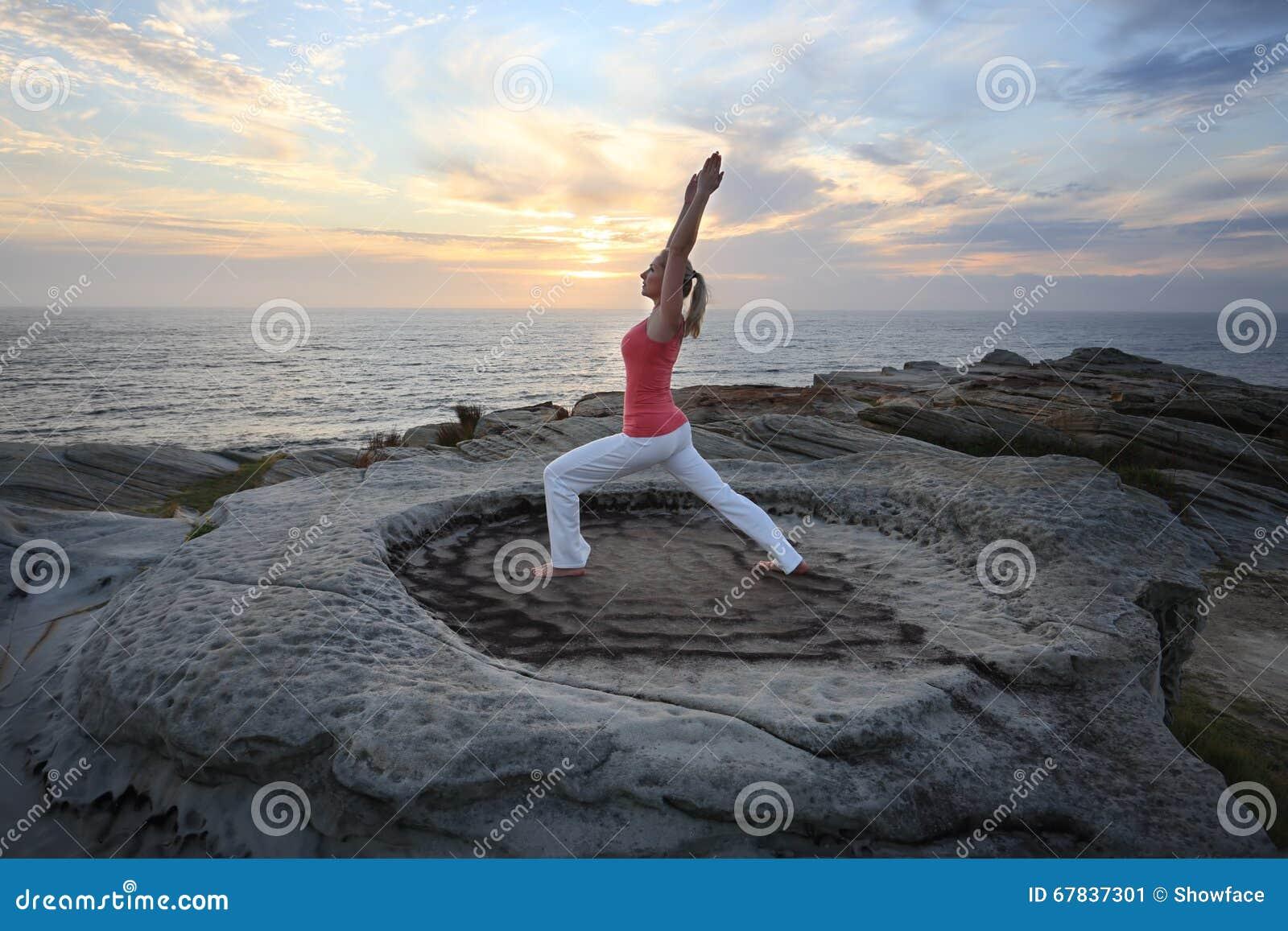 Lage de Geschiktheids de rek van yogapilates valt uit