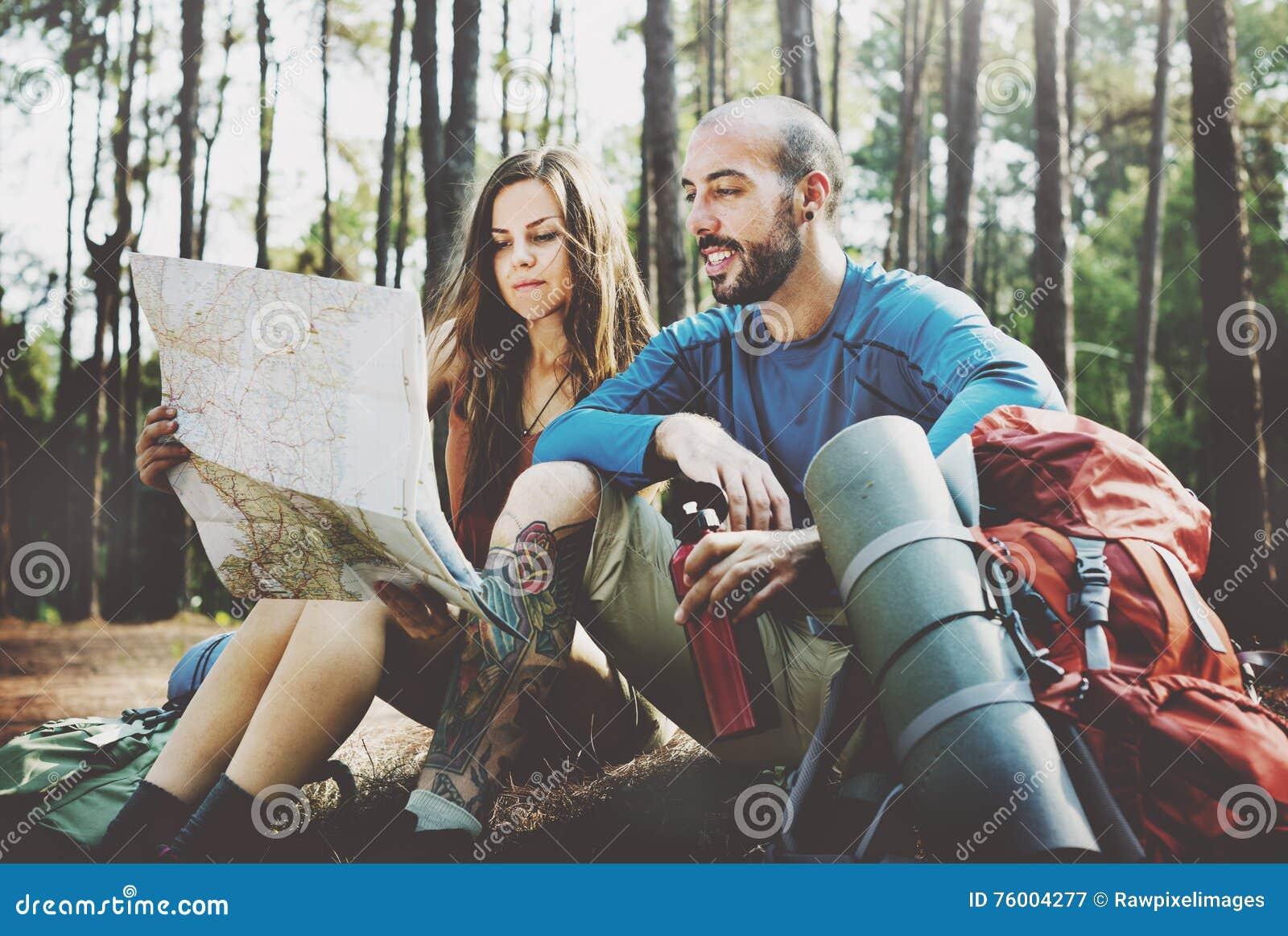 Lager-Forest Adventure Travel Remote Relax-Konzept