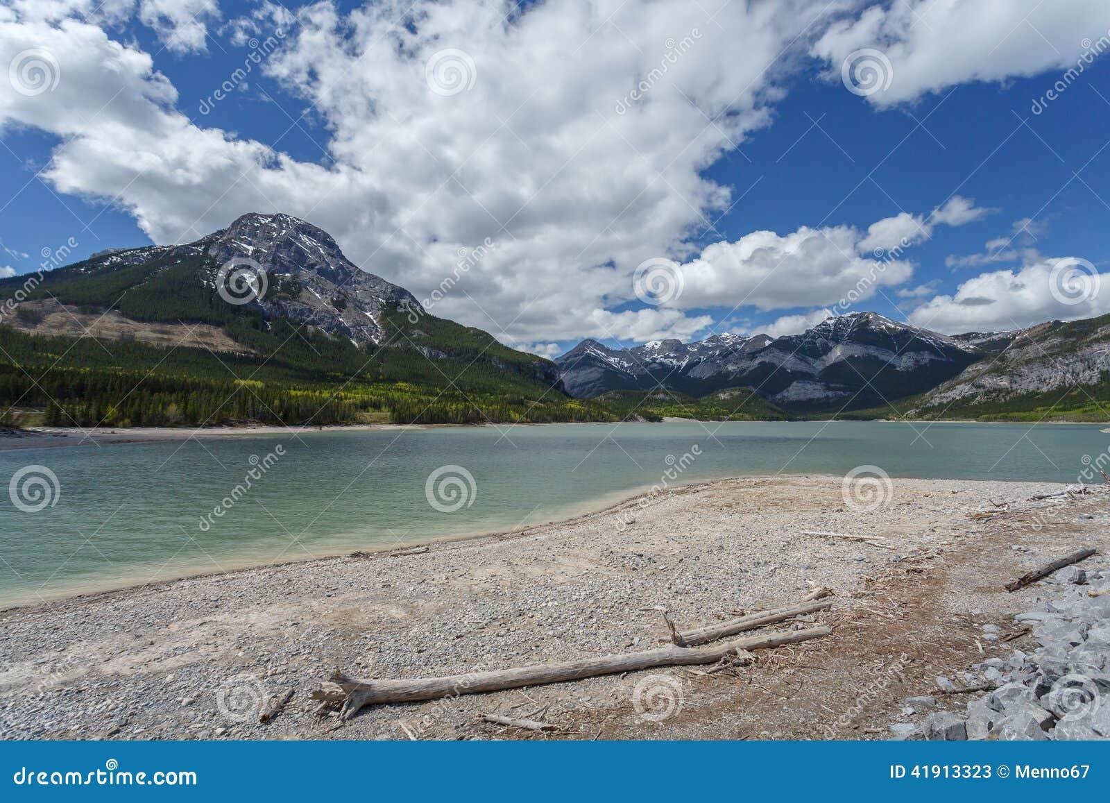 Lago Beauvert en el jaspe