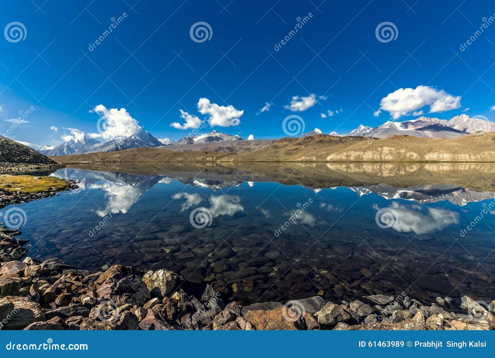 Lago Chandrataal