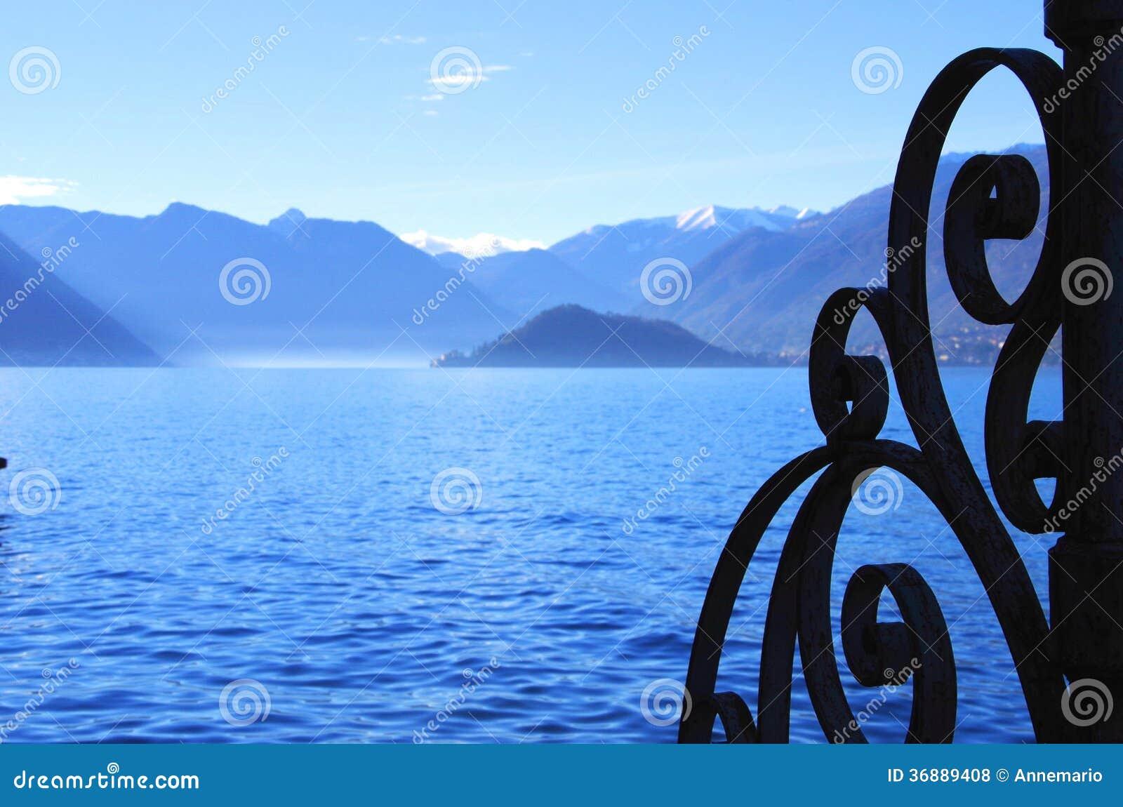 Download Lago Como fotografia stock. Immagine di caldo, italiano - 36889408