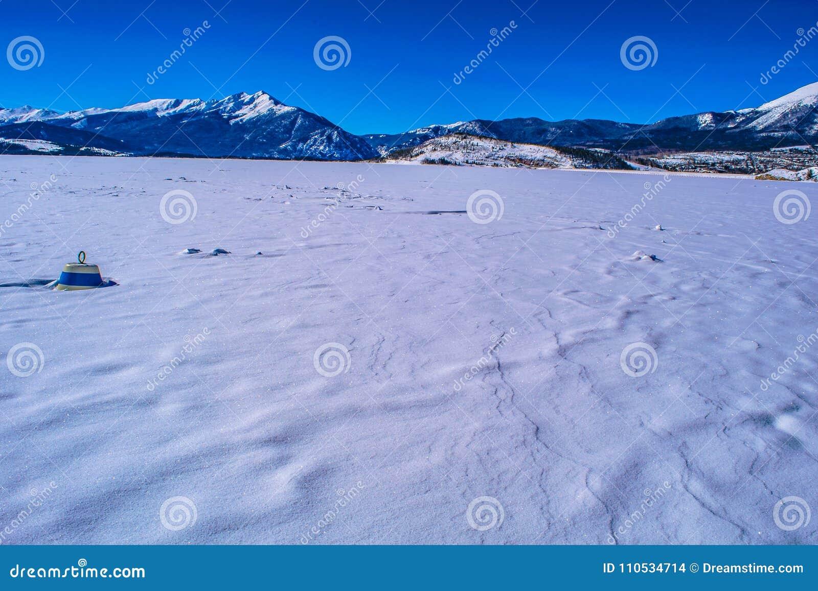 Lago congelado em Breckenridge, Colorado