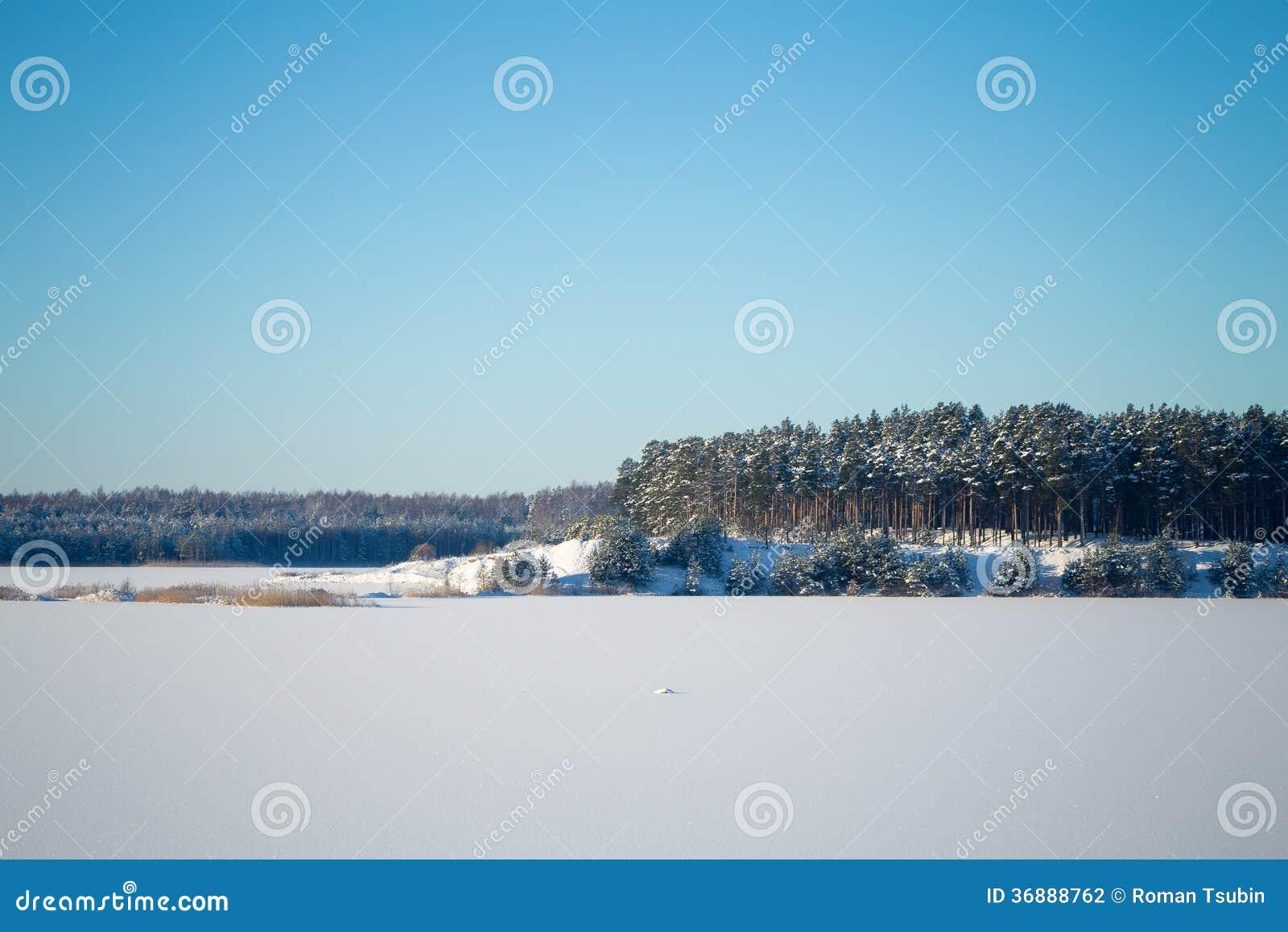 Download Lago Congelato Con Ghiaccio E Neve Fotografia Stock - Immagine di sole, percorso: 36888762