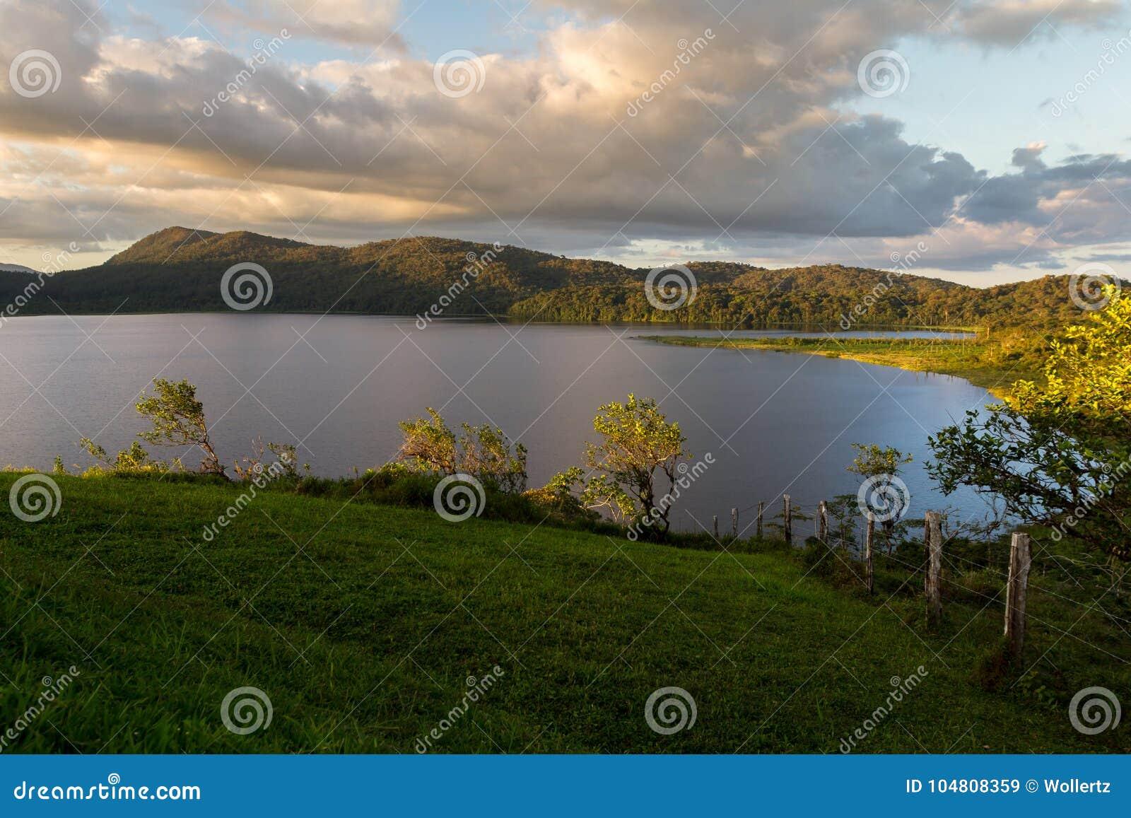 Lago cote, Costa Rica