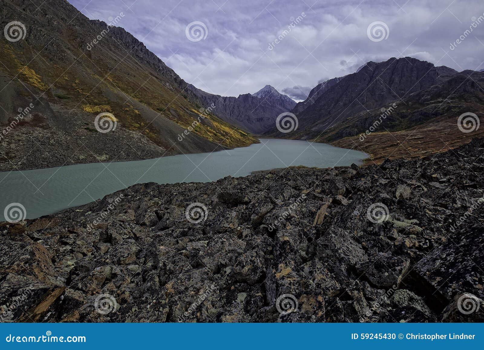 Download Lago De Alaska Back Country Foto de archivo - Imagen de color, día: 59245430