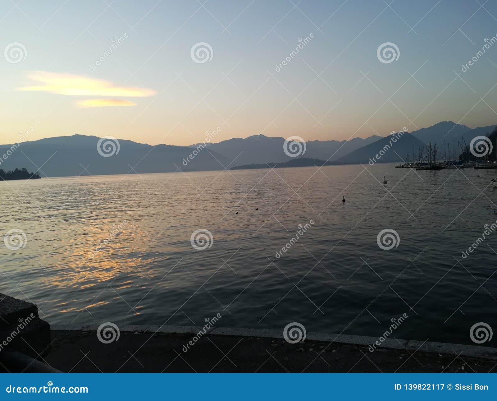 Lago del lago lake