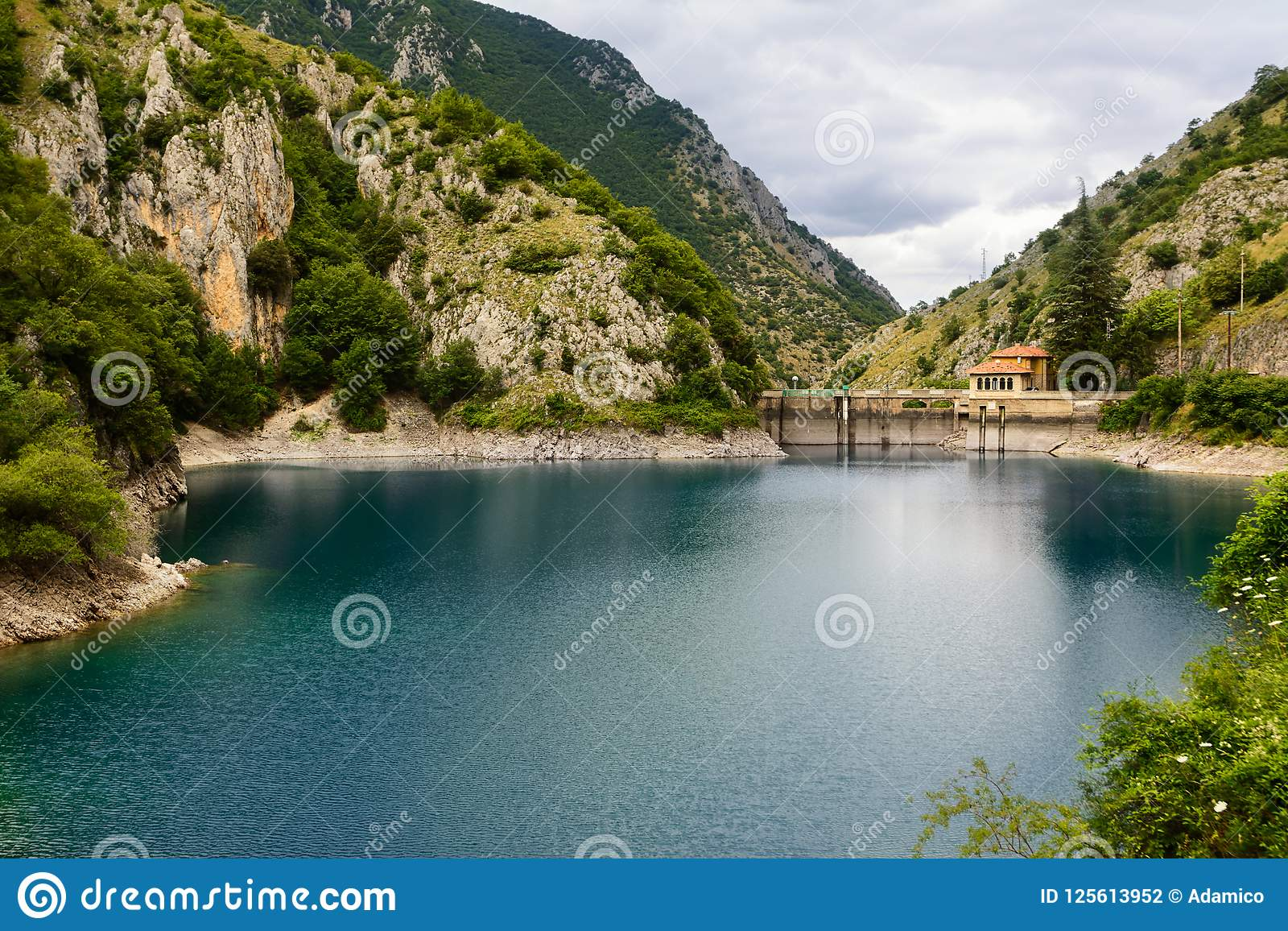 Lago di San Domenico nelle gole del Sagittario