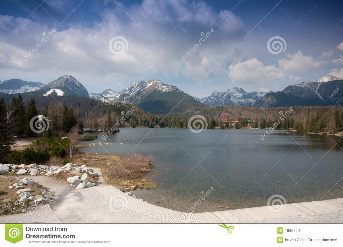 Lago do pleso de Strbske