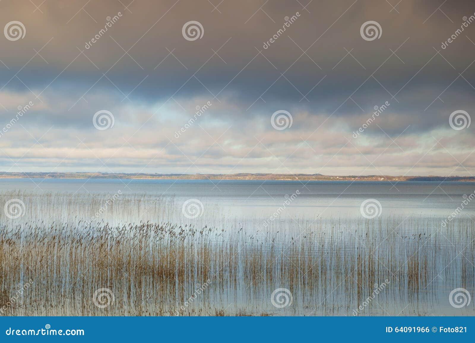 Lago e cielo