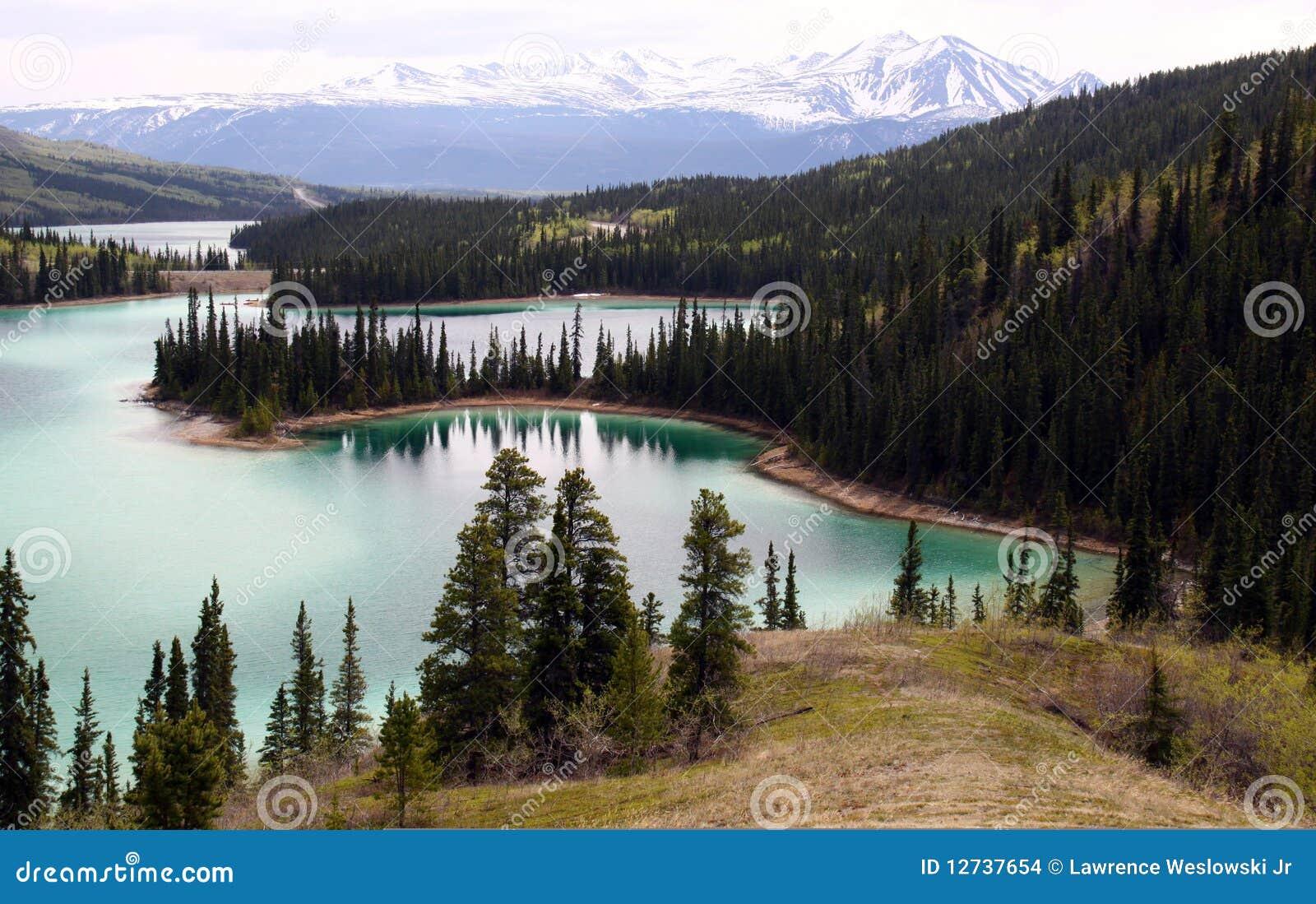 Lago emerald, Yukon Canadá