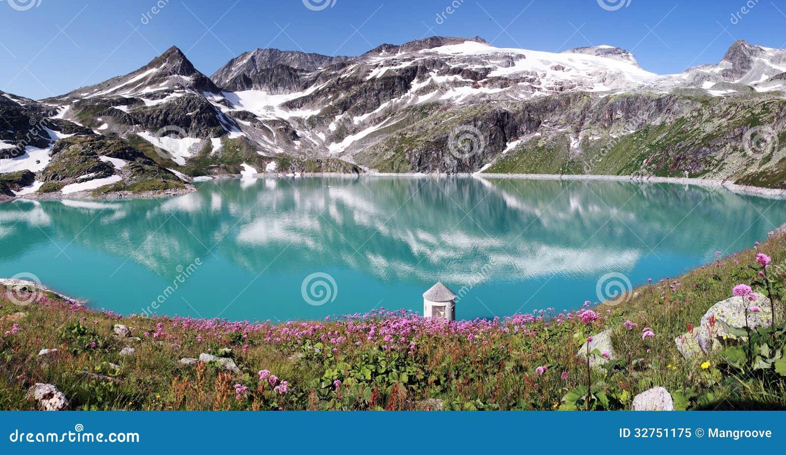 Lago en apls, Austria mountain