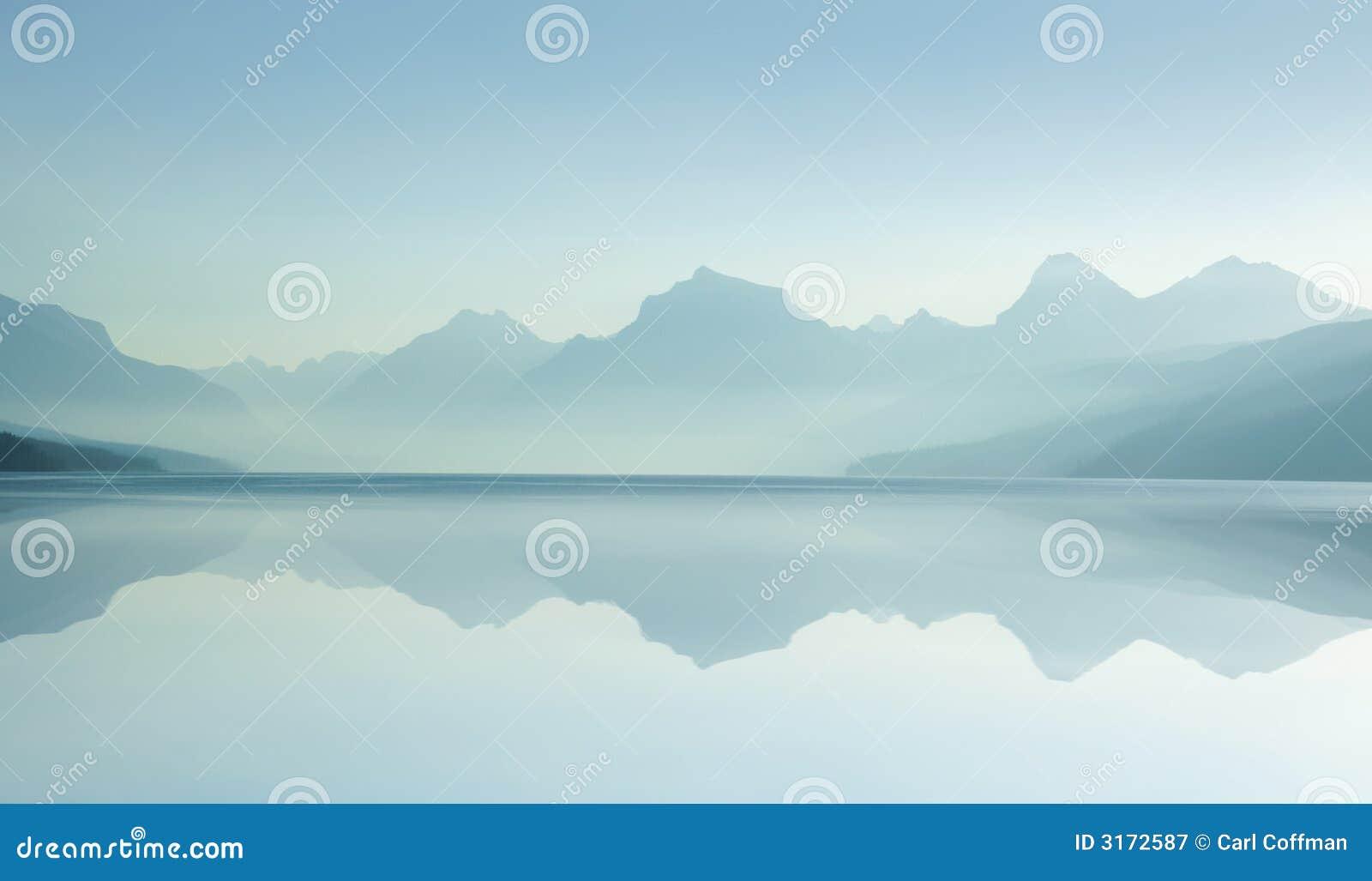 Lago enevoado D 8-07