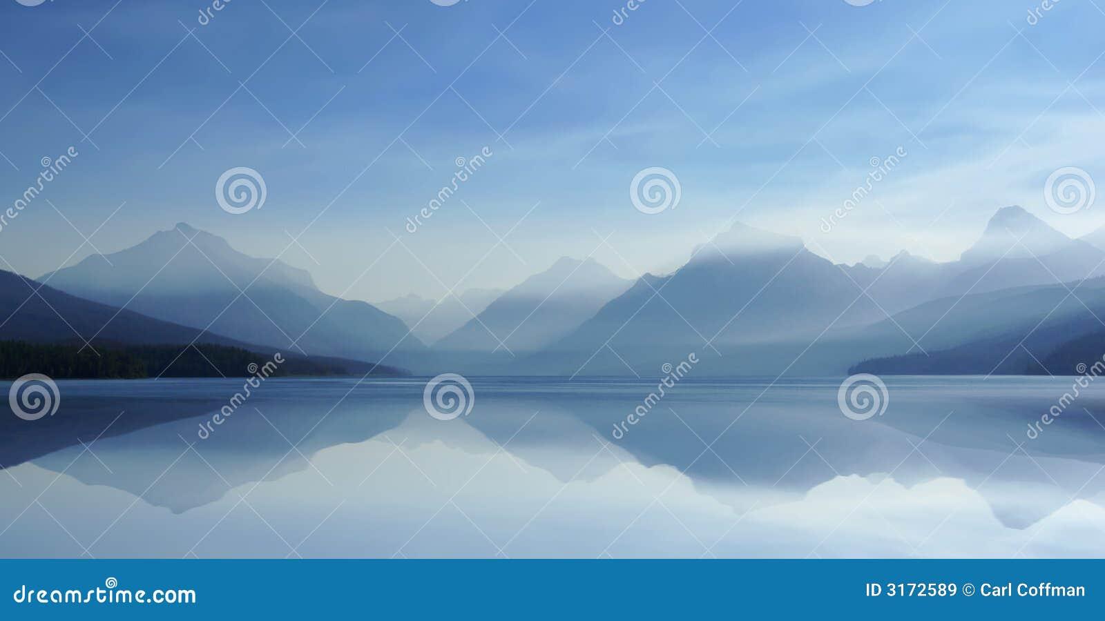 Lago enevoado H 8-07