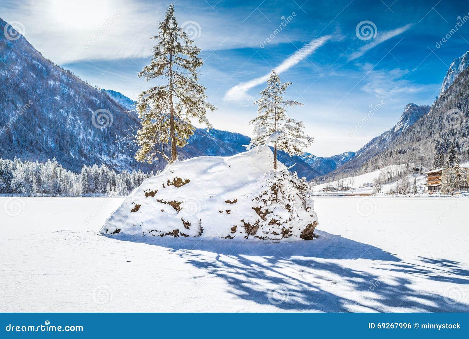 Lago Hintersee en el invierno, tierra de Berchtesgadener, Baviera, Alemania