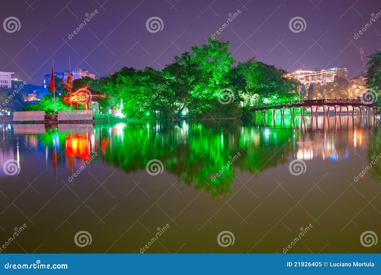 Lago Hoan Kiem, ha di Noi, Vietnam.
