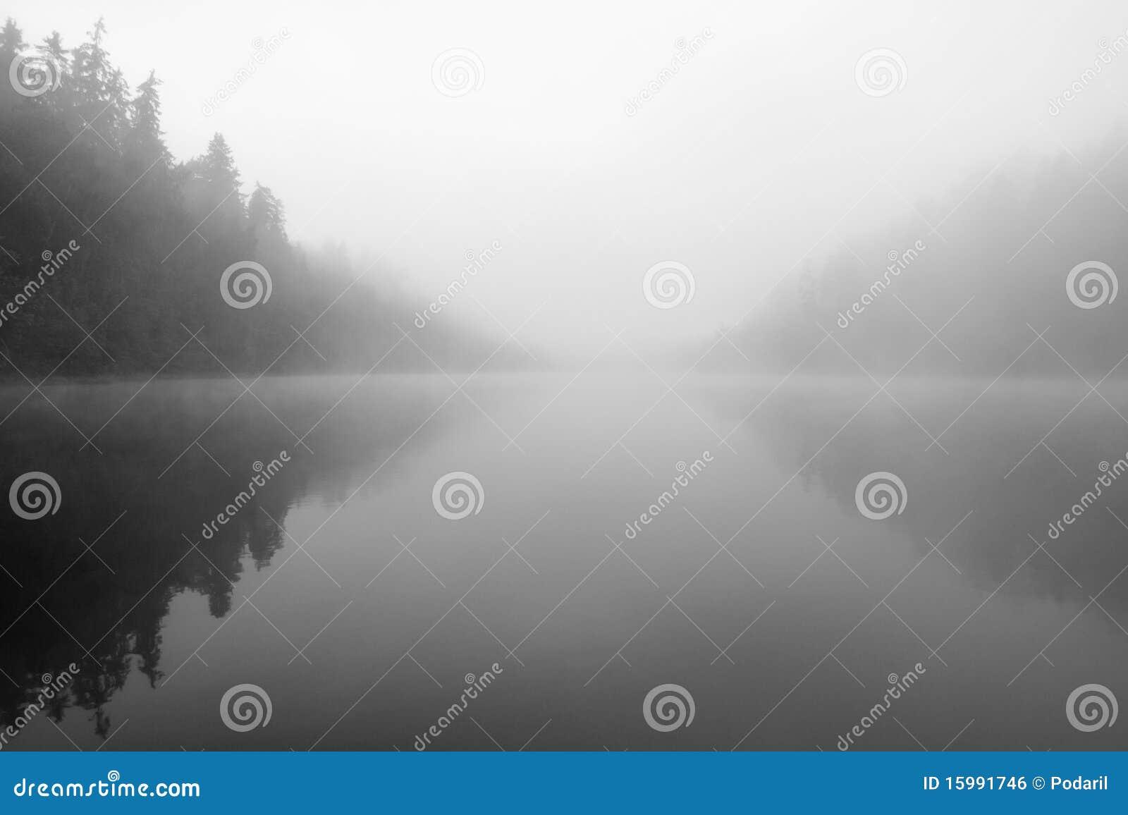Lago misterioso