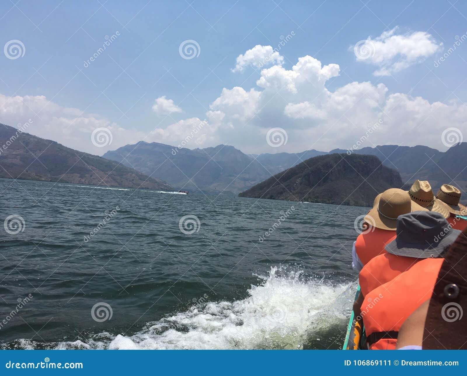 Lago Montain