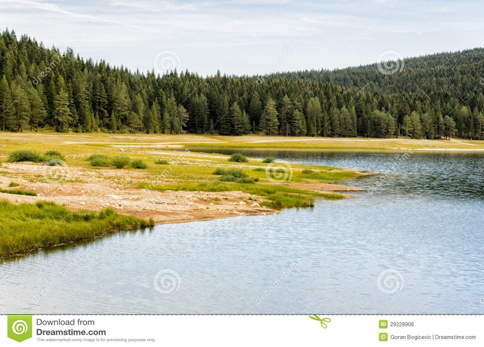 Download Lago mountain foto de stock. Imagem de grama, naturalizado - 29228906